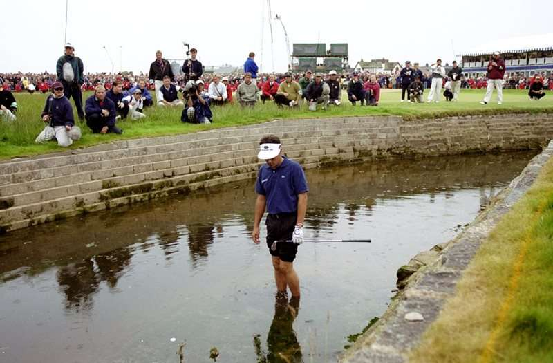 Watery grave: Jean van de Velde sees his Open hopes sink in the Barry Burn (Photo by Getty Images)