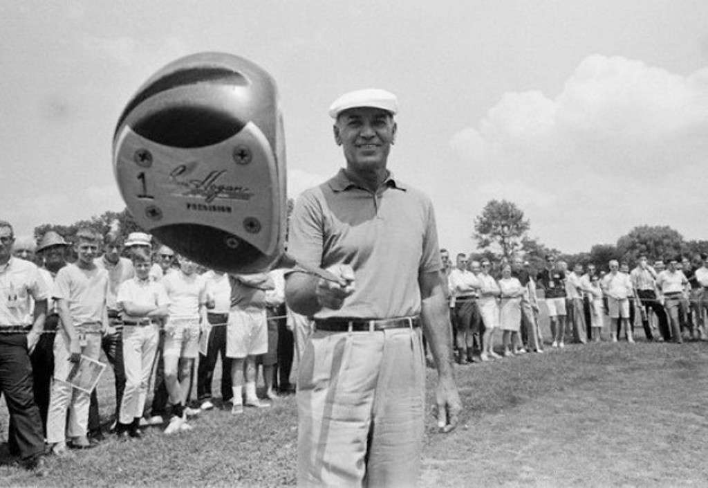 Master at work: The great Ben Hogan judged every distance by eye - he didn't need yardage markers (Photo: Getty Images)